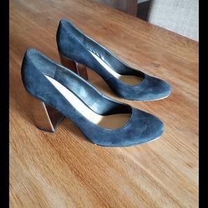 Women Heels 7.5US
